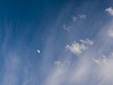 Día con luna.